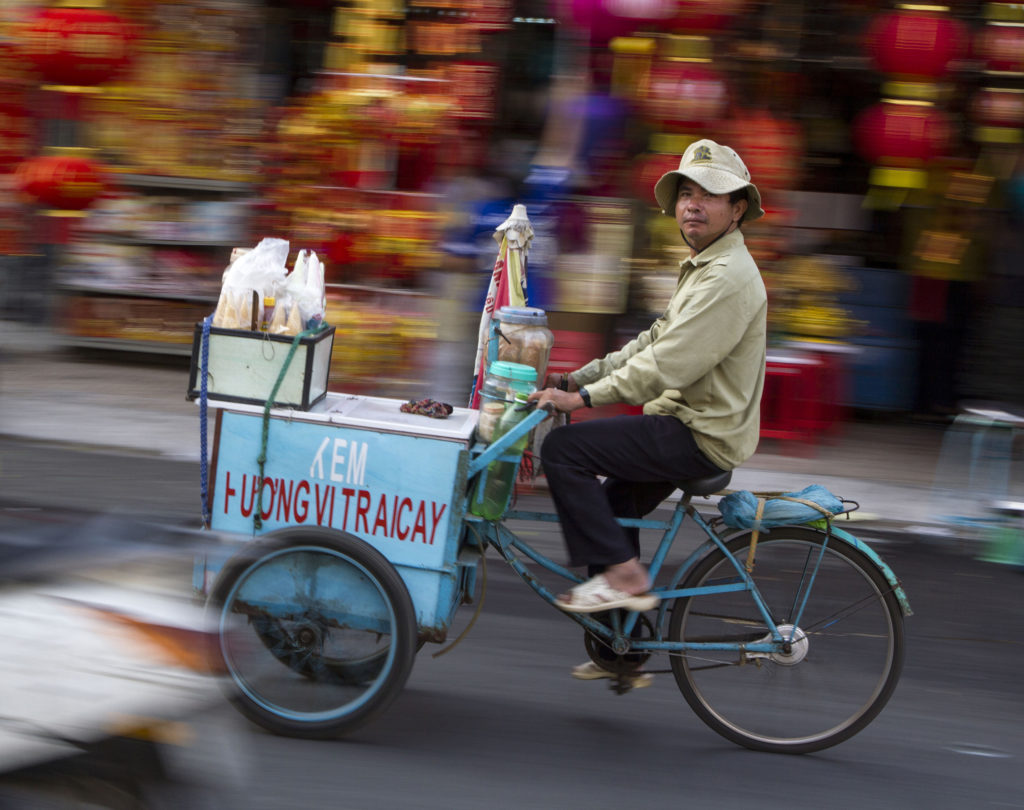 2015.02.01 IMG 0090 CR ZO – Saigon – D5 – Panning and Street Life